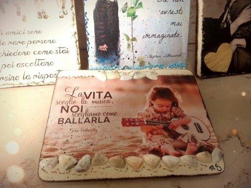 """Tavoletta in legno """"con messaggio""""... - Mauro Grasso""""."""