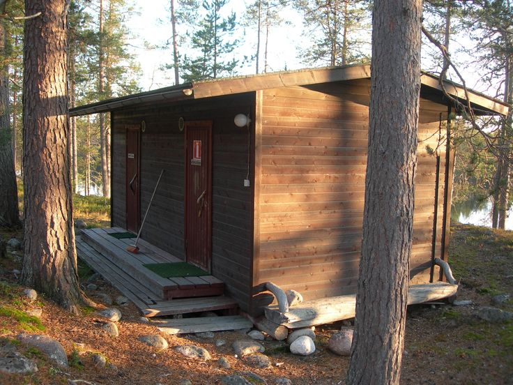 MAIJALA AND MARTTALA - These are semidetached cottages. Both can accommodate up to 2 people and come with a small kitchenette. They are very basic cottages with no running water. Prices start from 25€/night/person. Pets allowed. Email us at lapiosalmi@saukko.fi for more info!