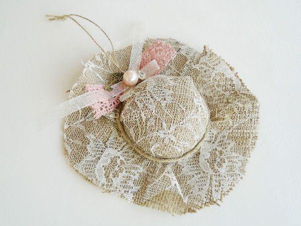 Κρεμαστό διακοσμητικό καπέλο-by Sugar & Pearls