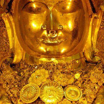 golden statue of Buddha. #Buddha #Mandalay #myanmar