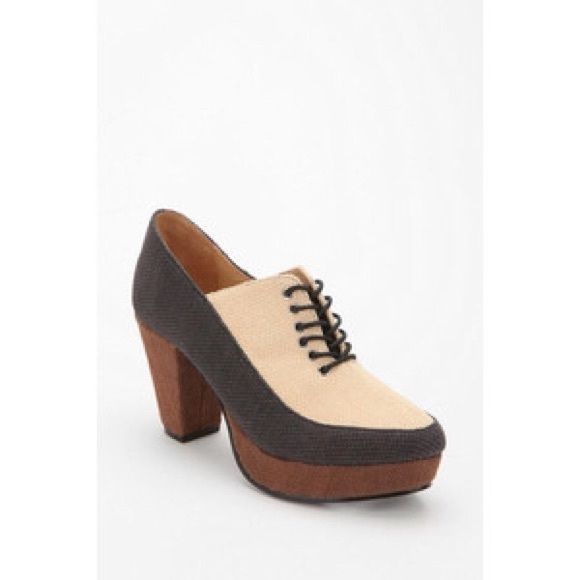 Contributor by Rachel Comey Urban Outfitters heels NEW Contributor by Rachel Comey Oxford heels! Size 9. Originally $69. Style is SOLD OUT! Heel measures 3.25 inches. BUNDLE and SAVE! Urban Outfitters Shoes Heels