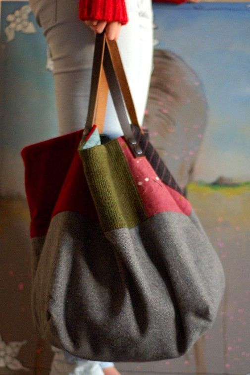 Sac cabas fait main en patch de laine velours bio et toile peinte Intérieur en percale de coton.