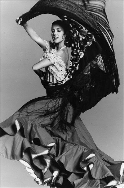 Spanish Gypsy.. Gitana...from which the dance Flamenco originated..