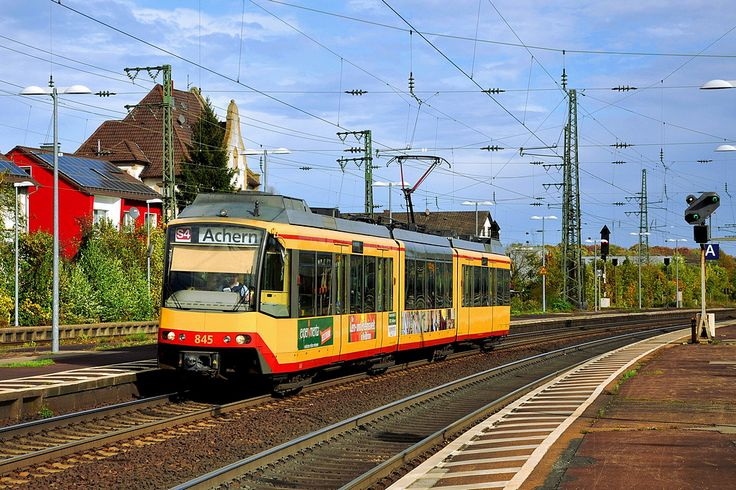 Between Karlsruhe-Tullastrasse and Achern at station Rastatt - by  Pierre H. - 28 october 2013