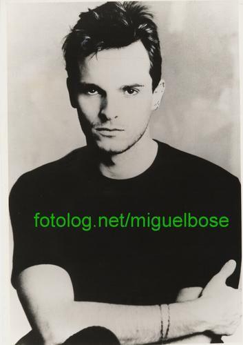 Foto de 1984 de la Epoca de Bandido, disco que cambio el estilo de Miguel | miguelbose