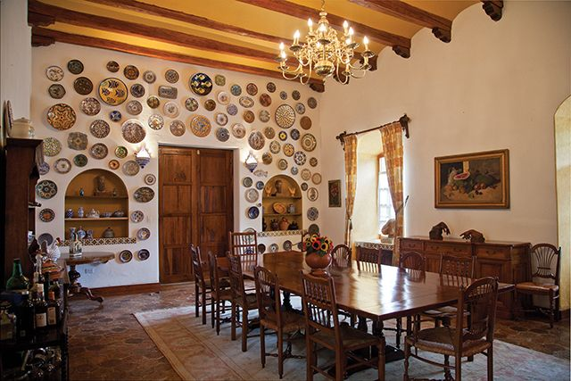 En el comedor de Quinta Lutecia los tejuelos son originales.  Foto: Chris Falcony  CLAVE! Ed. 49