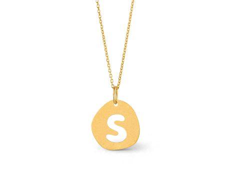 ABC Colar e medalha em prata dourada com acabamento areado. Fio com 42cm e argolas que permitem fechar aos 40cm ou 38cm. € 35,00
