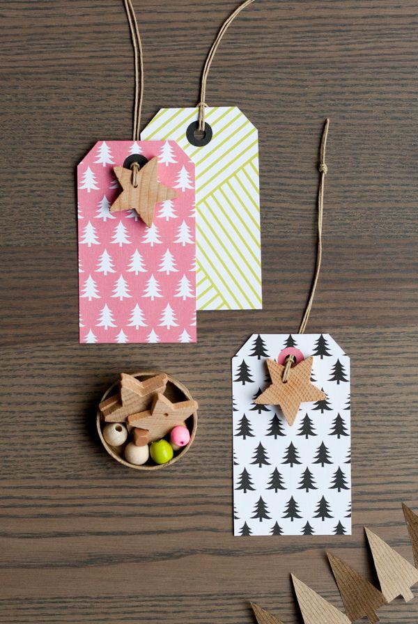 Printable Gift Tags + Wood Star Charm DIY                                                                                                                                                      Más