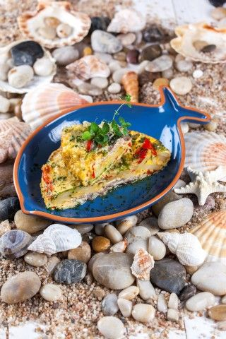 Tortilha de Sardinhas. Fazem tão bem. Descubra o poder dos ingredientes.  Saúde à Mesa nº 100 - Julho 2014 www.teleculinaria.ptsardinhas