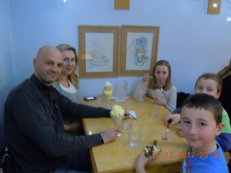 Family gathering at Ginos