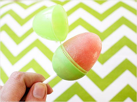 Make your own #Easter egg popsicles. So fun!