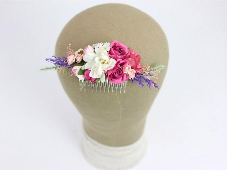 Grzebyk ślubny do włosów z mocnymi akcentami kolorystycznymi - amarant i fiolet.   Dostępny w sklepie internetowym Madame Allure!