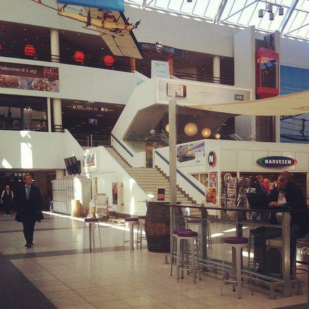 Flyplassen