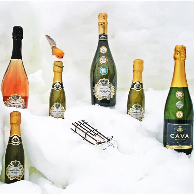 Which is your favourite? #prosecco #grandrosé #cava #sparkling #wine #snow #white #sleigh #robin #christmas #countdowntochristmas #proseccomas #whitechristmas #keepitpremier