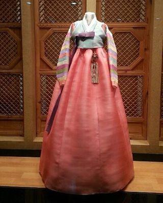 #색동한복 #조옥란 #한복 #한복드레스 #조옥란한복 #패션 #한복스타그램 #패션스타그램 #일산한복 #일산 #clothes #hanbok #hanbokkorea #korea #korean