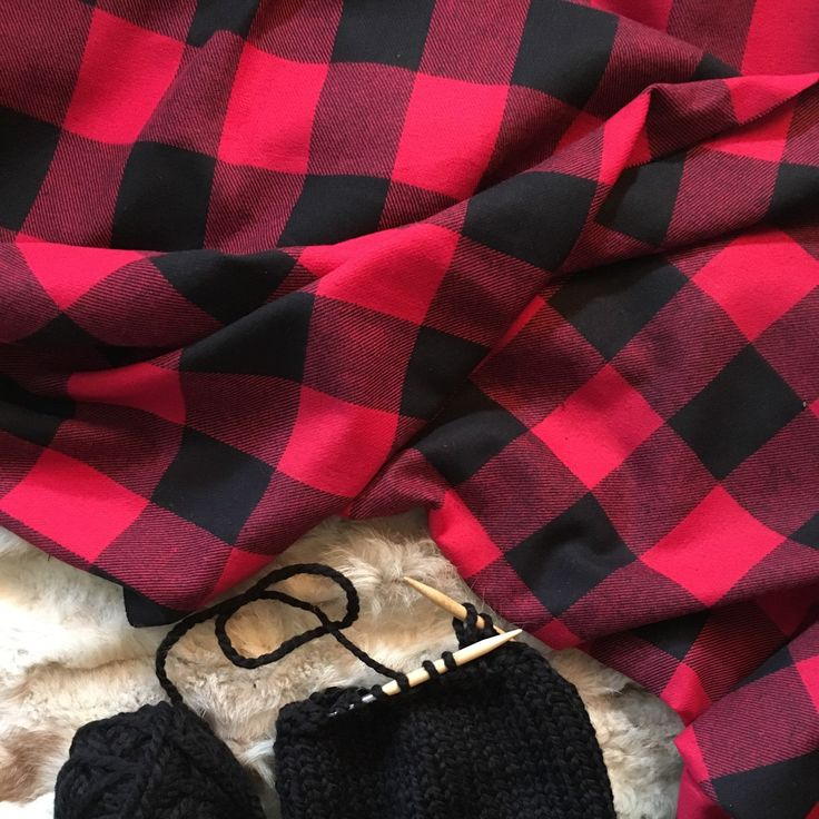 Fashion Bloggers favorite blanket scarf ~ Buffalo Plaid .