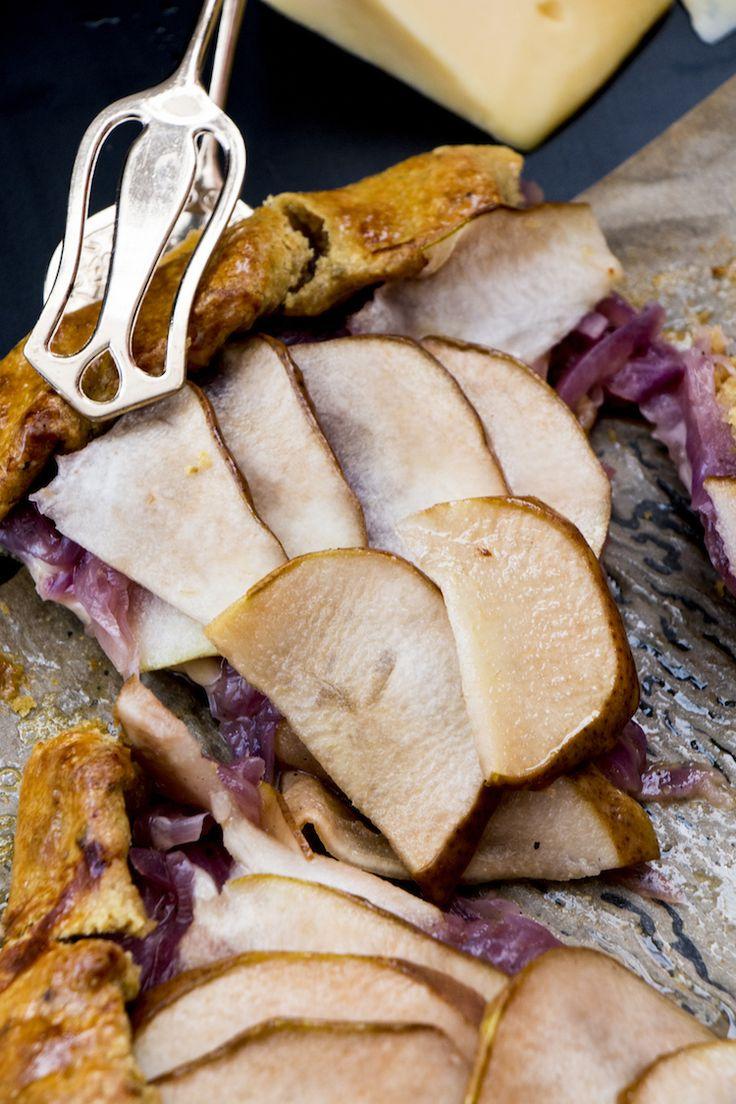 Galette integral de pêras ao mel, gouda e cebolas roxas caramelizadas | Vídeos e Receitas de Sobremesas