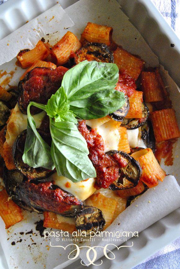 Pasta alla parmigiana (o parmigiana di pasta)