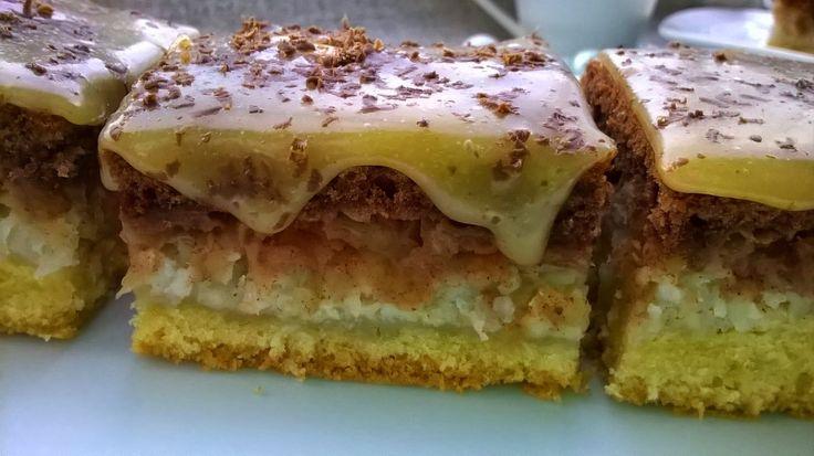 Domowa Cukierenka - Domowa Kuchnia: ciasto Pani Marzeny (jabłkowo-kokosowe z chałwową polewą)