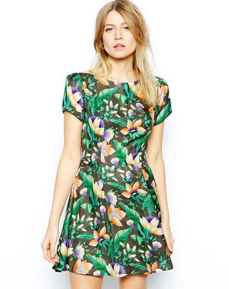 - Robe patineuse à imprimé fleurs tropicales - Love Plus d'articles inspirés de la tendance Brésil / Brazil sur http://www.liganz.com/products/selections/brazilfever #mode #style #fashion