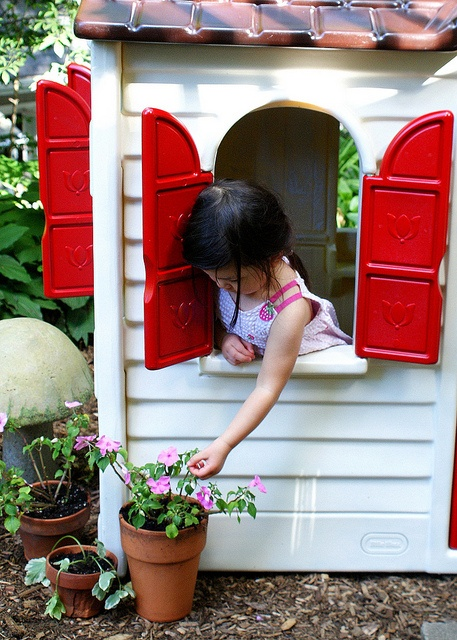 Little Tike Playhouse Makeover