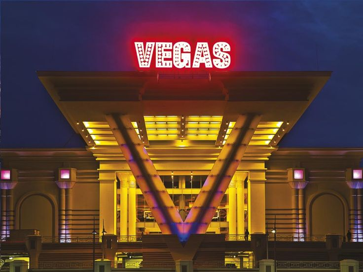 """Elemeği also signed its name on the acyrilic- lighting design and application of the """"V"""" entrance gate which is the symbol of Vegas Mall."""