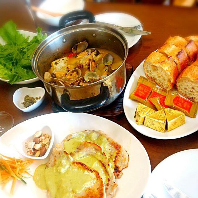 お肉にはベランダ菜園のバジルのソース☆ - 27件のもぐもぐ - パパお手製母の日ランチ♪ by ecoism