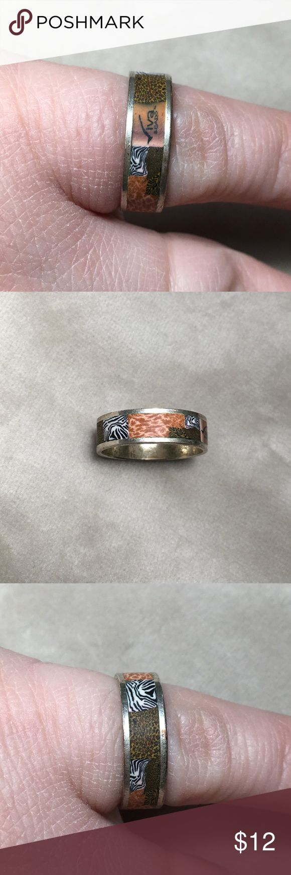 Viva Beads Animal Print Safari Ring size 7 Funky little animal print ring. Size 7. From Viva Beads. Pre-owned with a little tarnishing on the inside. Viva Beads Jewelry Rings