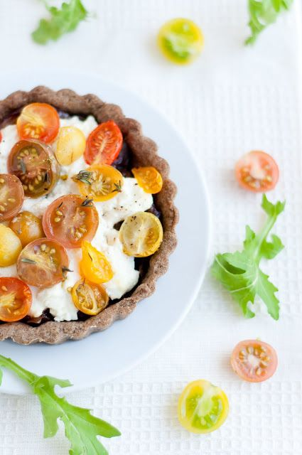 Caramelized onion, goat cheese and heirloom tomato buckwheat/thyme ...