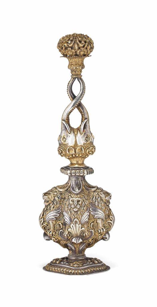 A LARGE PARCEL-GILT REPOUSSÉ SPRINKLER -  LUCKNOW, INDIA, 18TH CENTURY