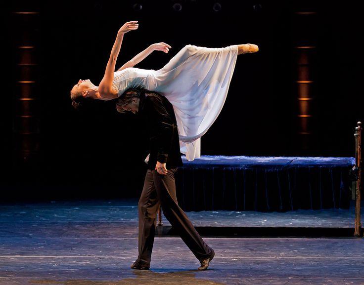 Tolstoy's Anna Karenina ballet by Eifman