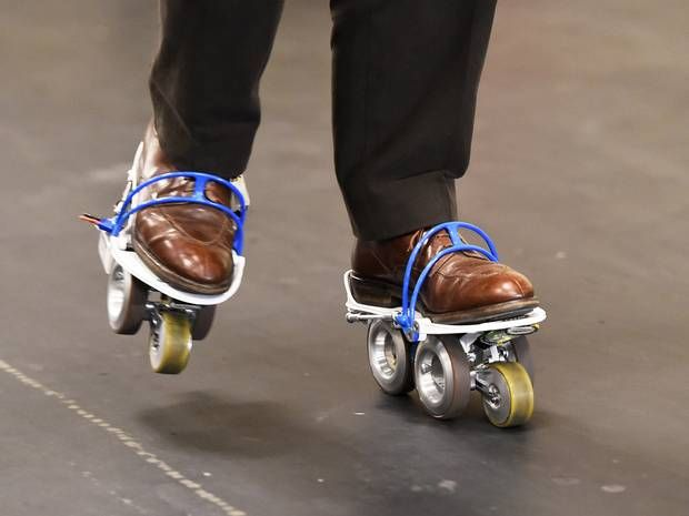 CES 2015: Gadget doubles walking speed by improving shoes - News - Gadgets and Tech - The Independent Travelator-inspired gadgets let you walk twice as fast as normal, but are still being worked on