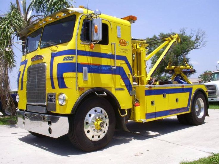 17 best images about white freightliner on pinterest tow truck models and cummins diesel engines. Black Bedroom Furniture Sets. Home Design Ideas