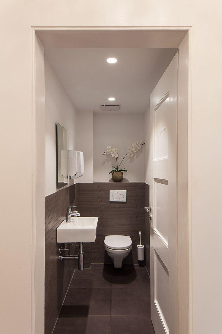 25 beste idee n over toilet beneden op pinterest kleine toiletruimte toiletruimte en wc for Moderne wc decoratie