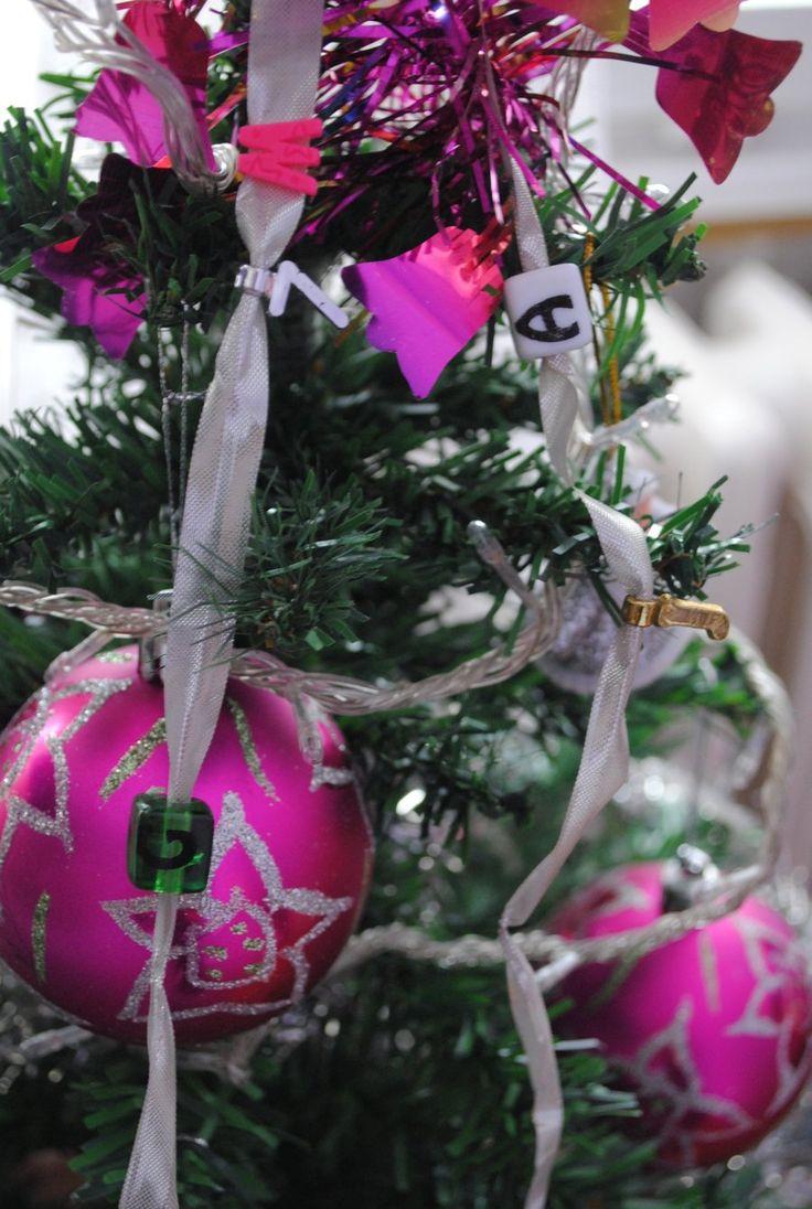 Christmas tree by Zaguljena.deviantart.com on @DeviantArt