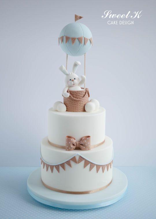 Conejito del bebé de la torta