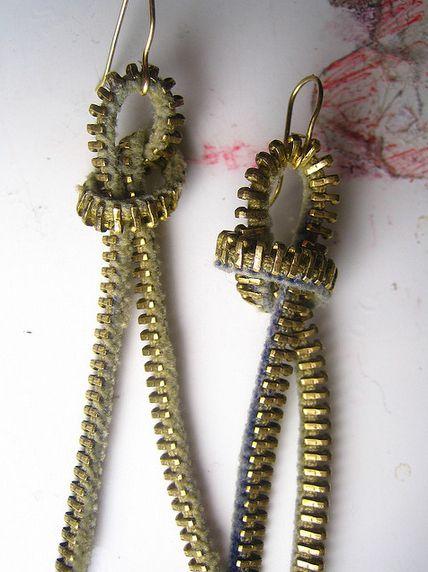 Simple zipper earrings   Community Post: 27 Amazing Zipper Fashion DIYs