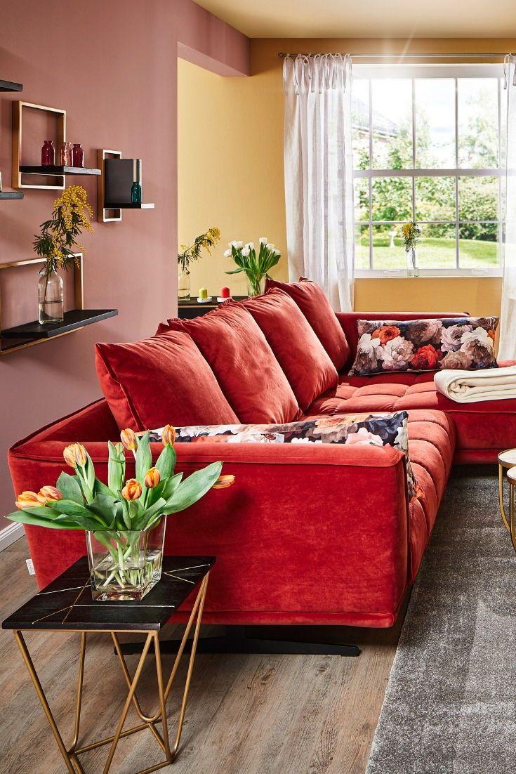 Das Wohnzimmer ist oftmals das Herzstück der eigenen vier Wände. Ob Familientr… Das Wohnzimmer ist oftmals das Herzstück der eigenen vier Wände. Ob Familientreffpunkt, Entspannungsoase oder Heimkino – wir haben einige Ideen gesammelt.