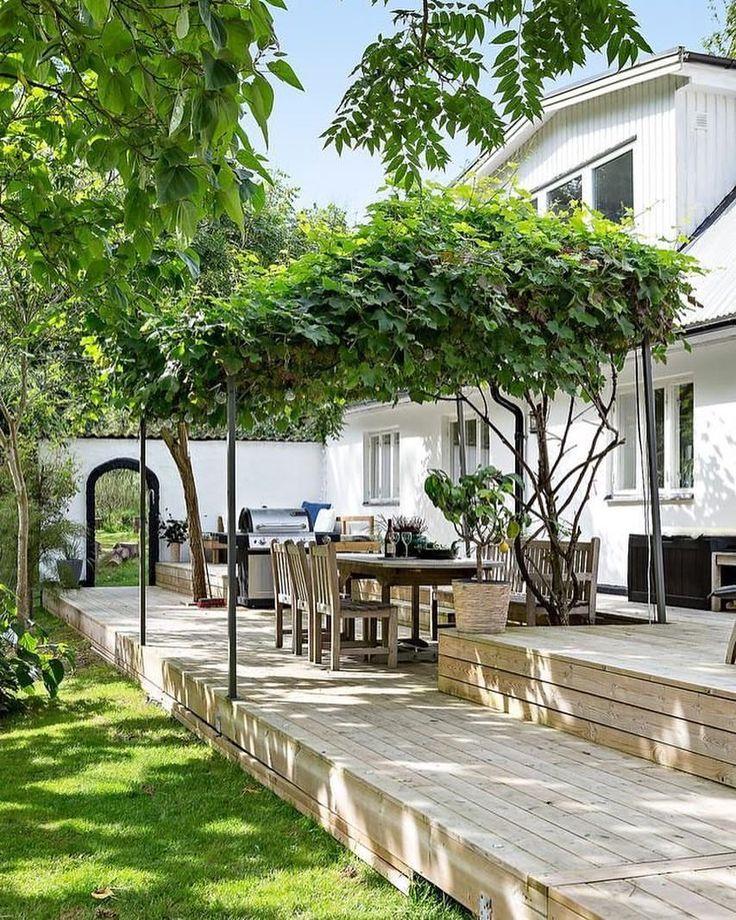 Terassipatio, puuterassi, pihaideat, oleskelupaikka pihalla, terassipiha / Terrace, patio, decking