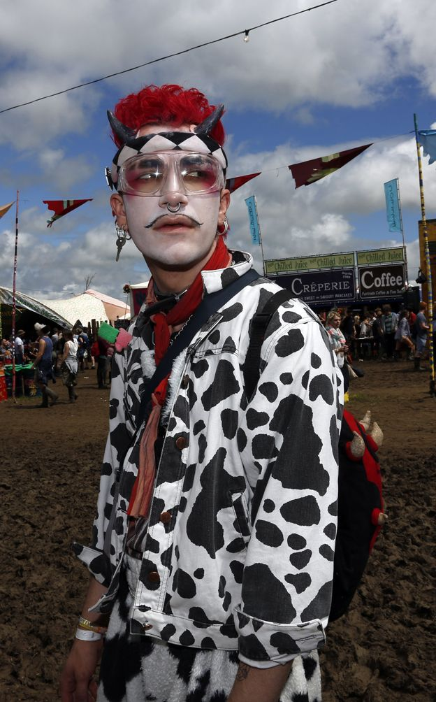 Standing out from the crowd - dressing up in the mud  #makeup #costume #Glastonbury #festival #fashion