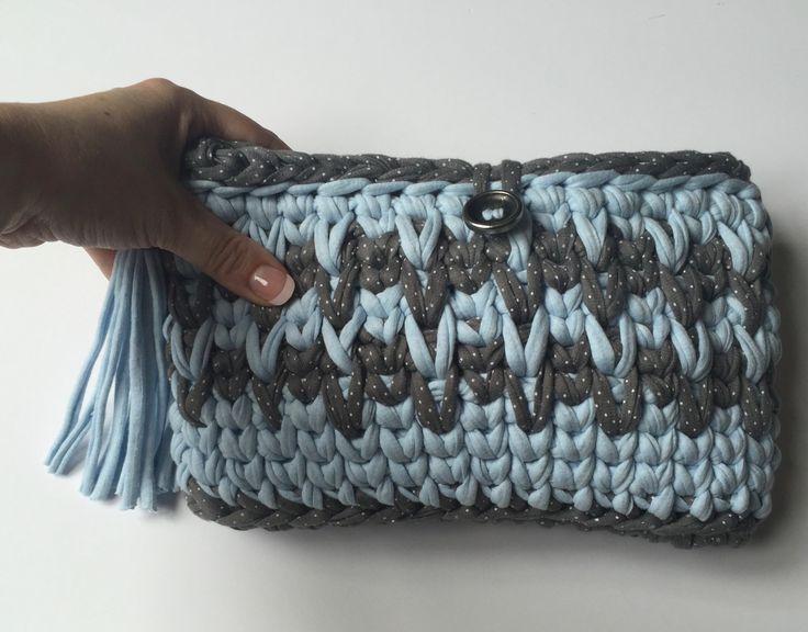trapillo. zpagetti yarn clutch. handmade. bolso de mano a crochetXL. hecho a mano.ideal para regalo de myladiesandme en Etsy