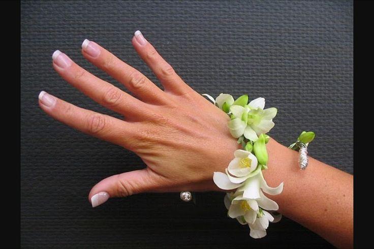 bloemcorsage pols / wrist corsage