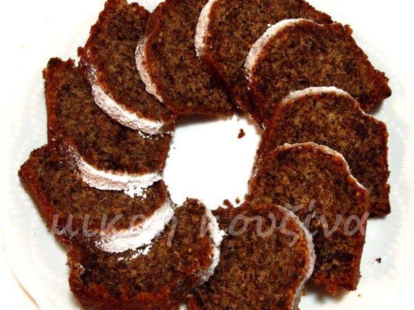Είχαν μαζευτεί αρκετοί λόγοι για να φτιάξω αυτό το κέικ. Και πιστέψτε με, ήταν όλοι πάρα πολύ σοβαροί! :-p 1) Η νέα αλουμινένια φόρμα που ...