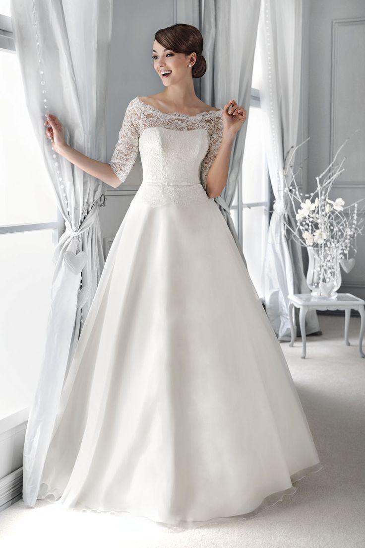 Brautkleid mit Spitzenärmel aus der Agnes by Mode de Pol Kollektion 2015 :: bridal dress with lace sleeve and illusion neckline from the 2015 Agnes collection by Mode de Pol.
