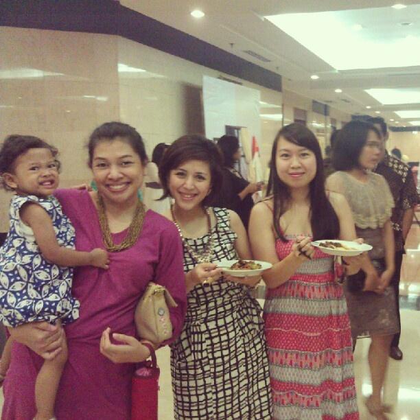 #najma with  ibu @reniyrens tante @almiradwiputeri tante @hoppippola