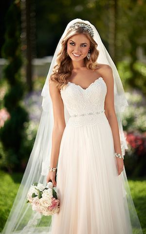 6025 - Stella York has a range of beautiful gowns. Contact Anya Bridal Couture near Fareham today to learn more.