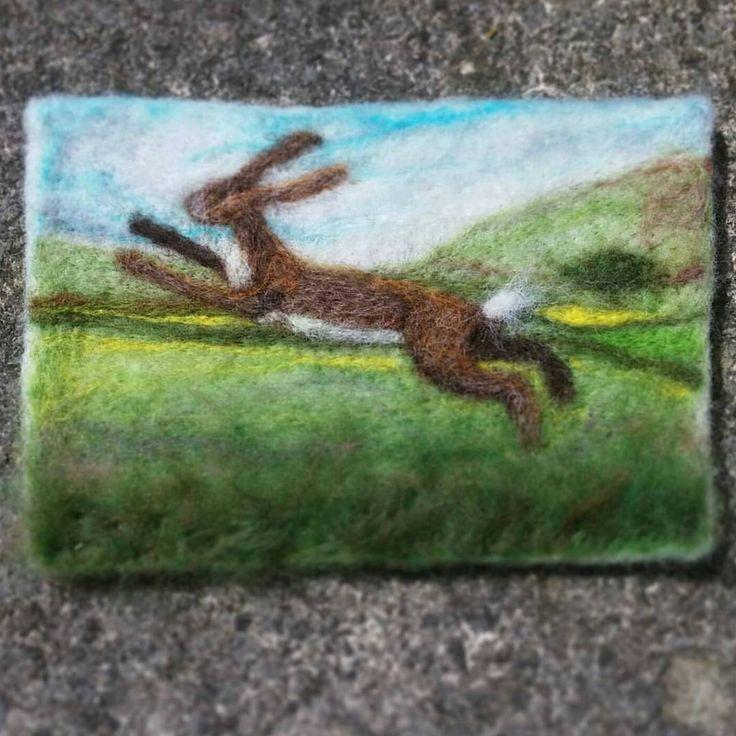 Flat-felting #hare #needlefelting #fibreart