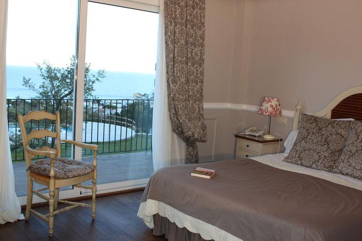 dormitorio vintage romantico elegante www.hotelblaumarllafranc.com