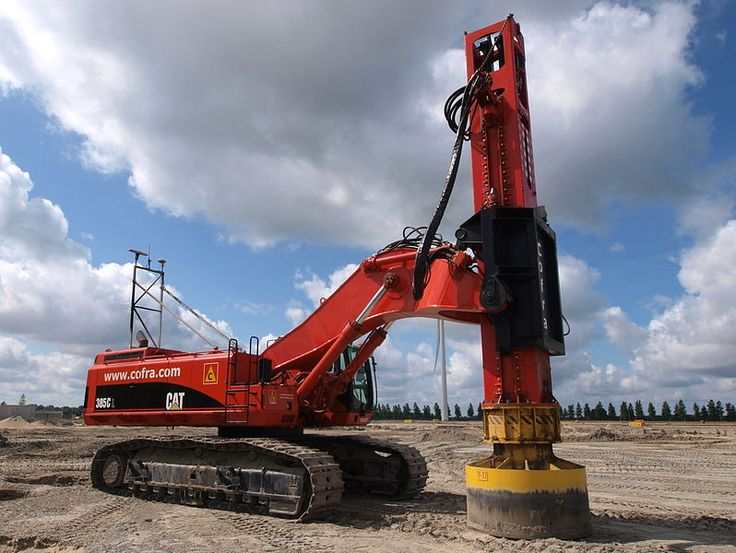 File:Caterpillar 385C L with Junttan pile driver (owner Cofra) p3.JPG