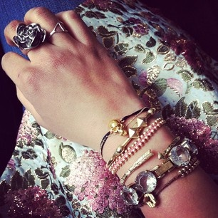 a DIY hidden in this stack somewhere... http://berryvogue.com/womensfashion